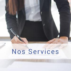 détail d'une photo représentant une personne en train de crayonner une liste, lien vers les services à partir de la page d'accueil, Bel'Age Services de Proximité, Grenoble, services à domicile
